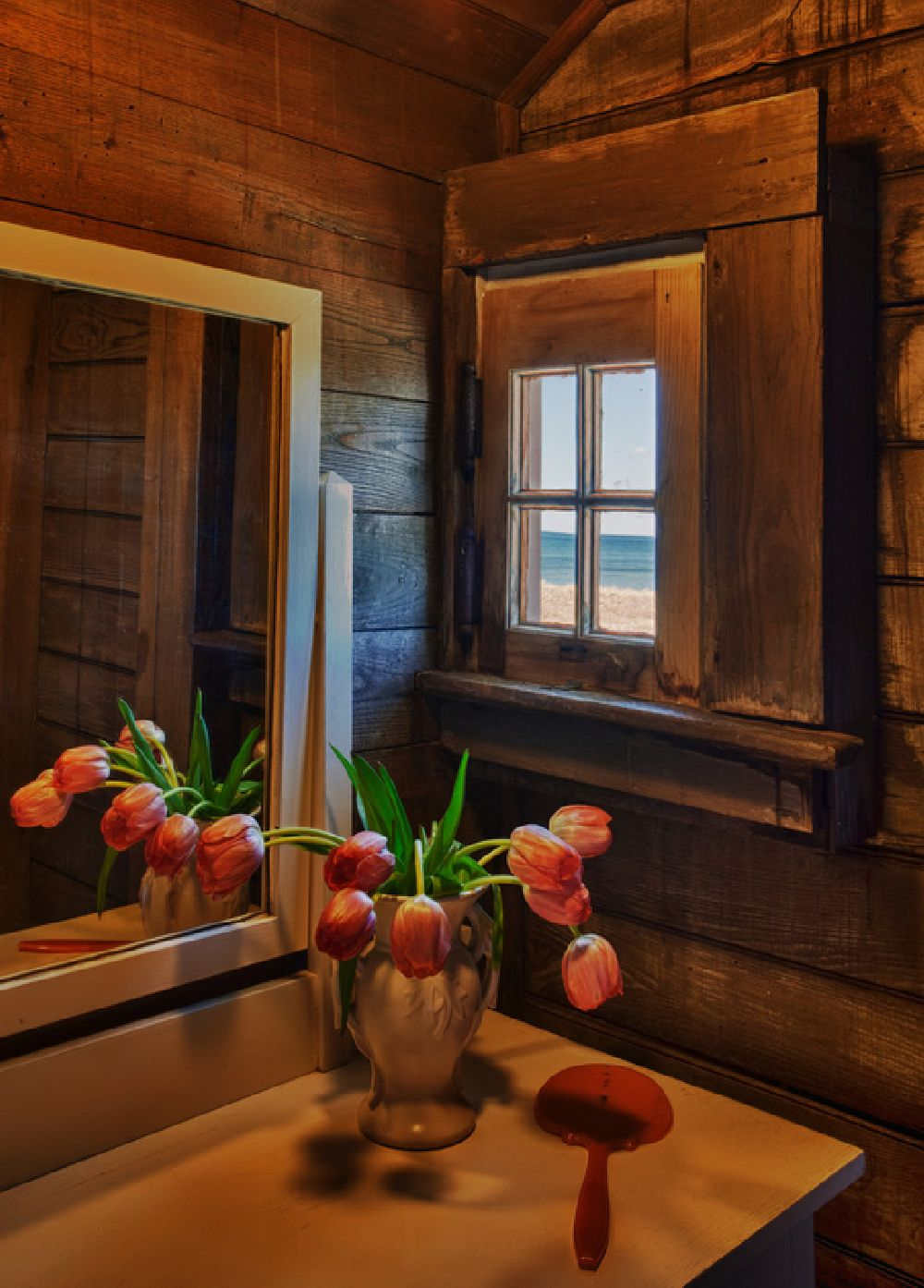 adelaparvu.com despre casa rustica pe malul marii Marta's Vineyard, Foto Bob Gothard  (1)