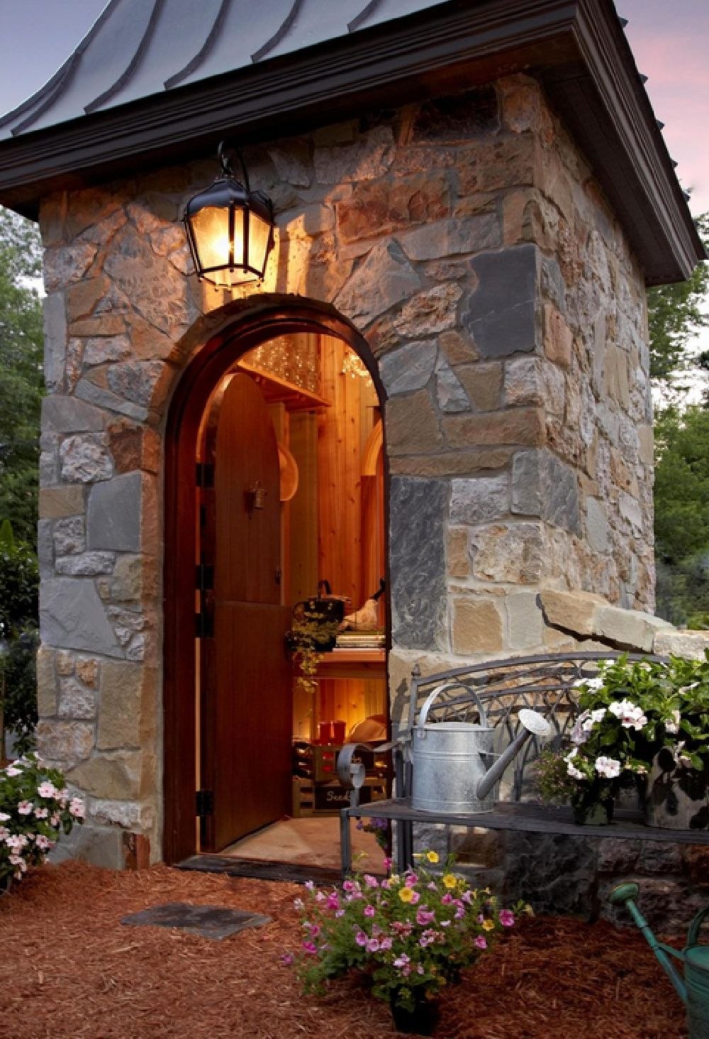 adelaparvu.com despre casuta de gradina din piatra, arhitectura VanBrouck Associates(7)