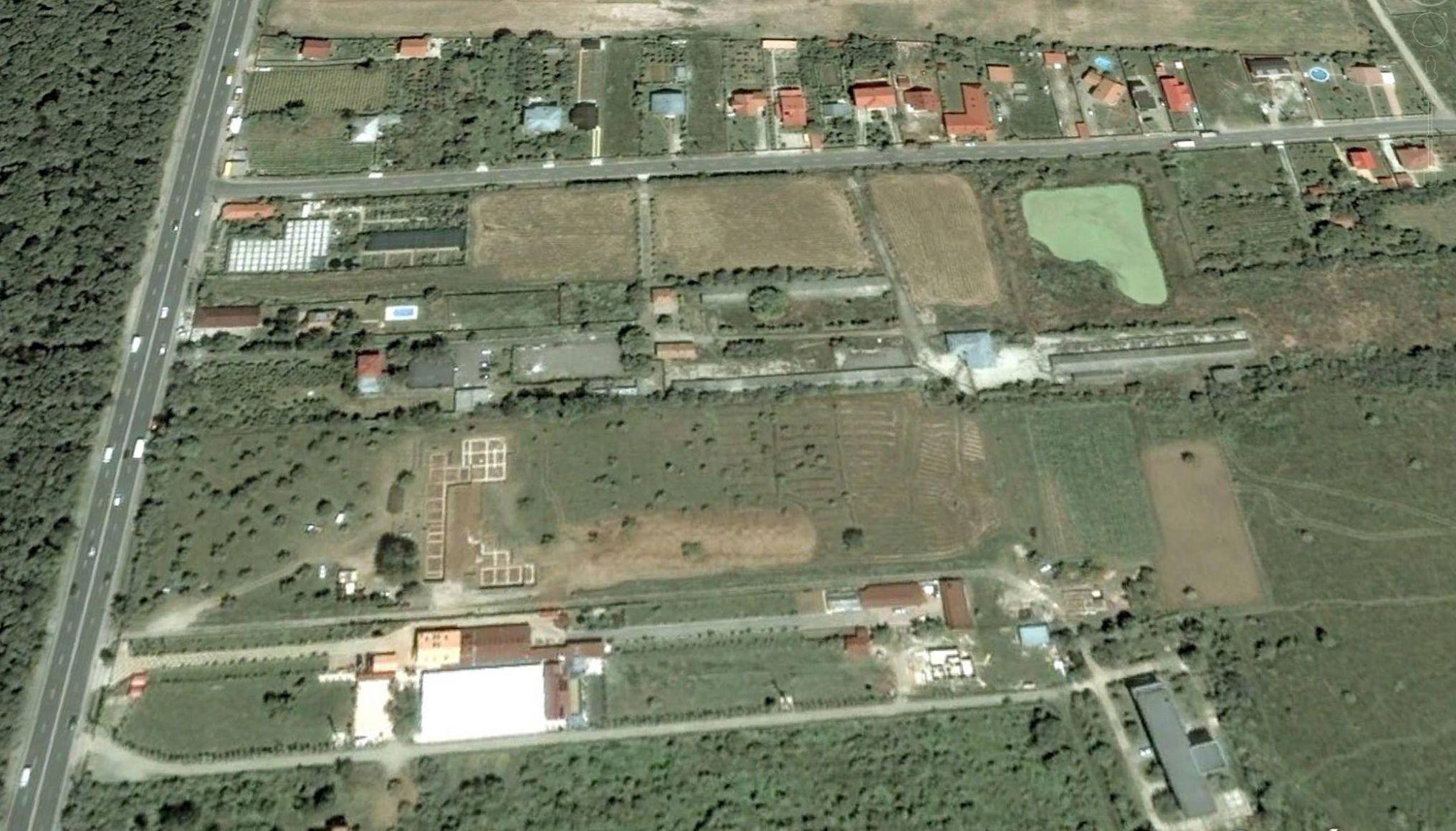 adelaparvu.com despre gradina amenjata de arh Dragos Isacescu, Foto Google Earth 1 (2)