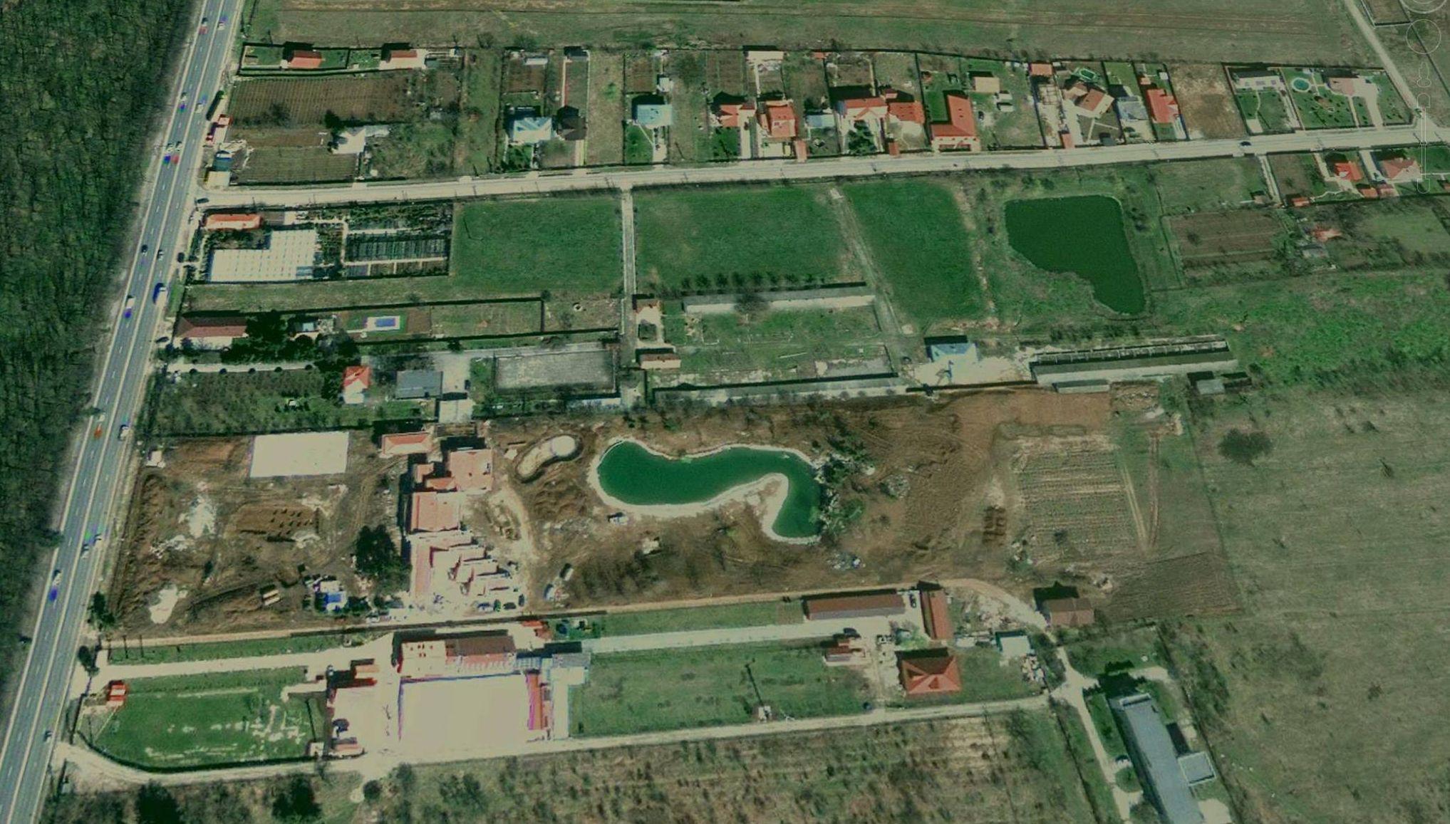 adelaparvu.com despre gradina amenjata de arh Dragos Isacescu, Foto Google Earth 1 (3)
