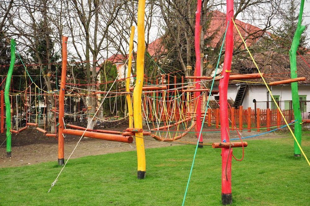 adelaparvu.com despre locuri de joaca pentru copii, instalatii joaca design Gordius Plus (11)