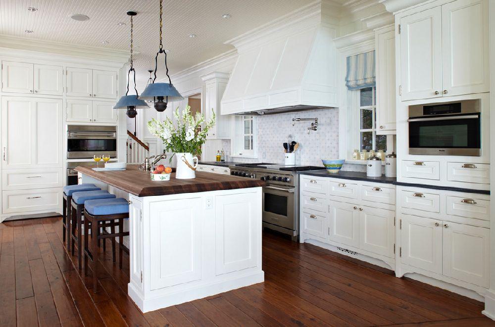 adelaparvu.com casa din lemn cu interior in nuante pastelate, casa SUA Michigan, design interior Tom Stringer, Foto Werner Straube (10)
