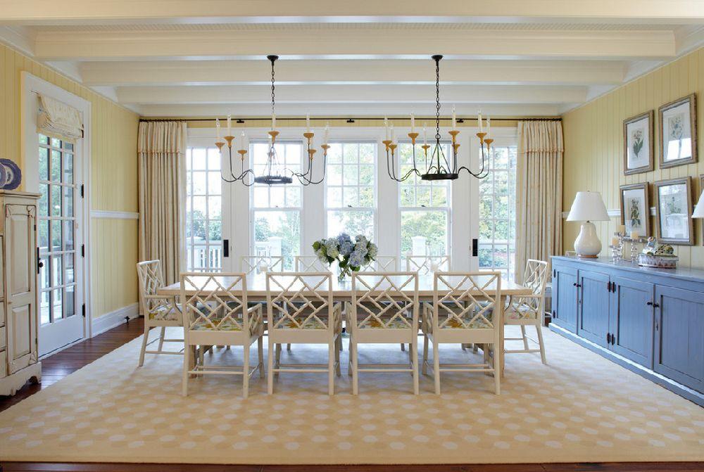 adelaparvu.com casa din lemn cu interior in nuante pastelate, casa SUA Michigan, design interior Tom Stringer, Foto Werner Straube (11)