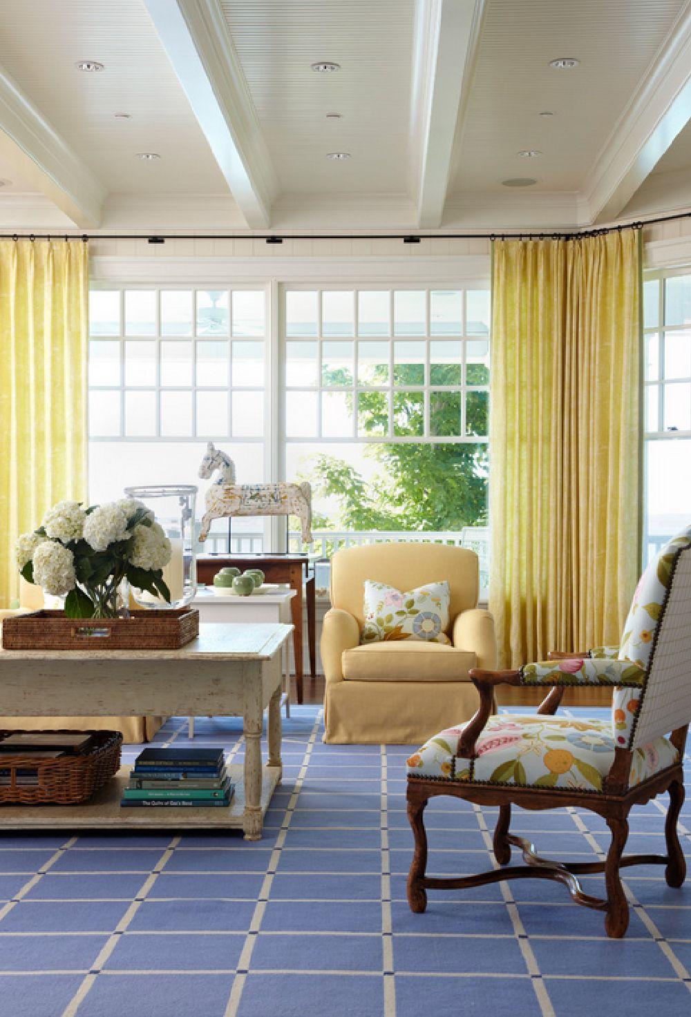adelaparvu.com casa din lemn cu interior in nuante pastelate, casa SUA Michigan, design interior Tom Stringer, Foto Werner Straube (7)