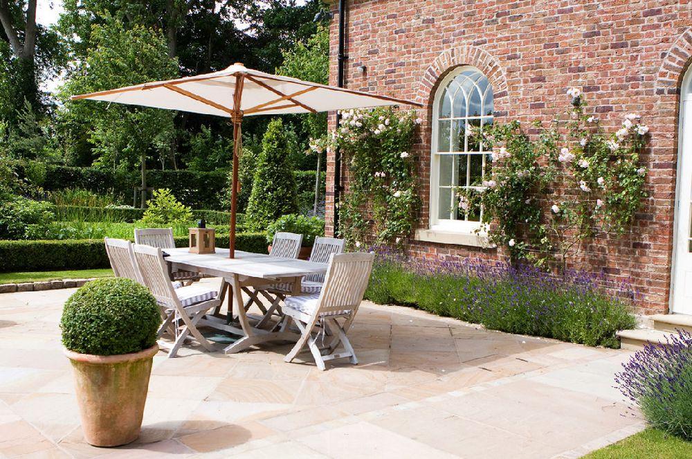 adelaparvu.com despre 5 sfaturi pentru trandafiri cataratori, Text Carli Marian, Foto Barnes Walker Ltd - Landscape Architects