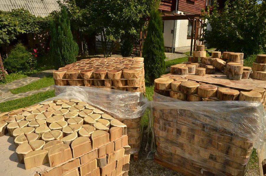 adelaparvu.com despre alei de gradina cu rondele din lemn de salcam, Foto Dan Bersan, Pensiunea Magnolia (10)