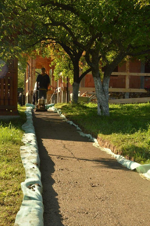 adelaparvu.com despre alei de gradina cu rondele din lemn de salcam, Foto Dan Bersan, Pensiunea Magnolia (8)