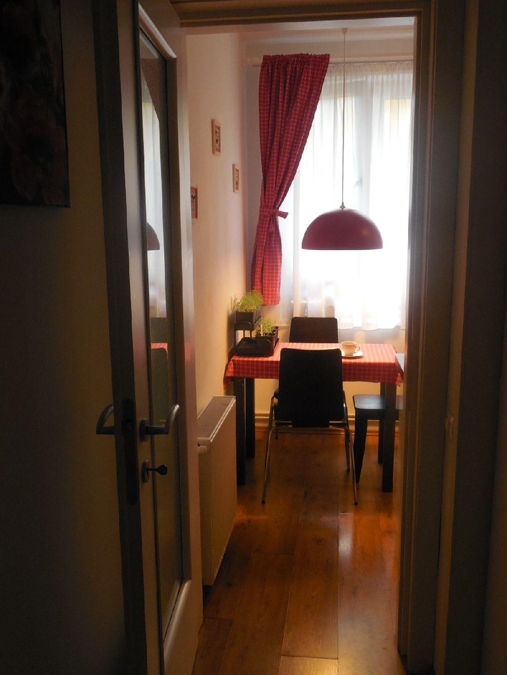 adelaparvu.com despre amenajare apartament 3 camere Bucuresti, design interior Iulia Banu (2)