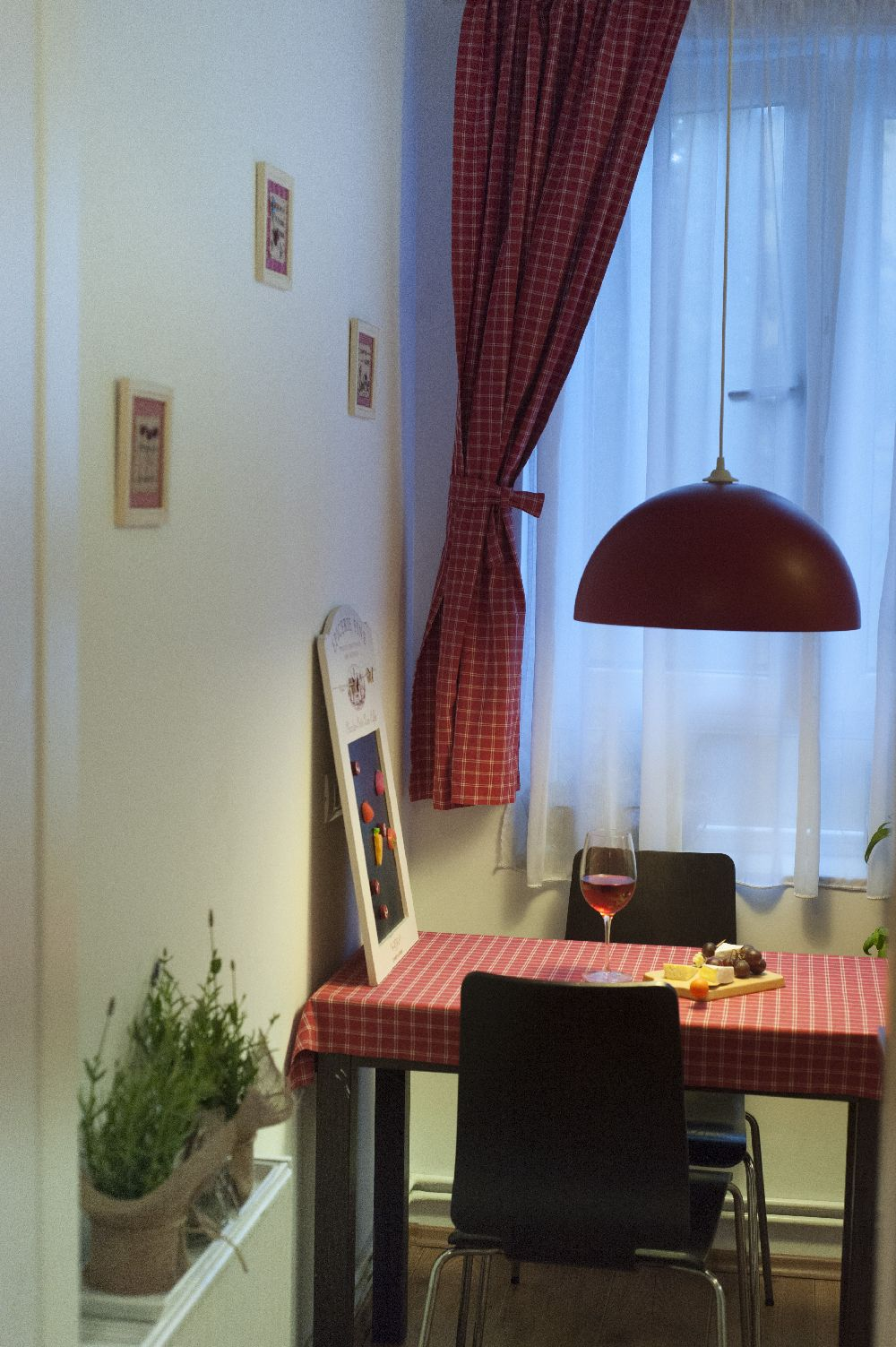 adelaparvu.com despre amenajare locuinta 3 camere, 51 mp, Bucuresti, design interior Iulia Banu, Foto Dragos Boldea (26)