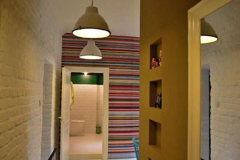adelaparvu.com despre apartament mic si colorat, design interior Agata Debicka Cieszynska, Twin Pigs  (13)