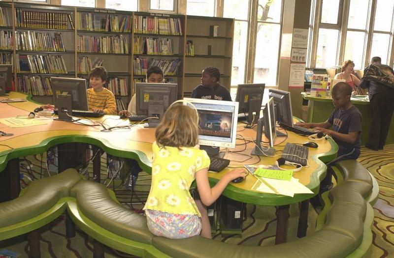 adelaparvu.com despre biblioteca pentru copii, Swiss Cottage Library London, design artist laura Ford, Foto Modus Operandi (6)