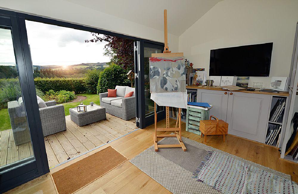 adelaparvu.com despre casuta de gradina atelier de pictura, foto JML Garden Room  (4)