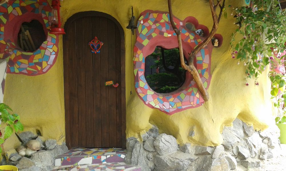 adelaparvu.com despre casuta lut pentru copii, design Maria Chioveanu (4)