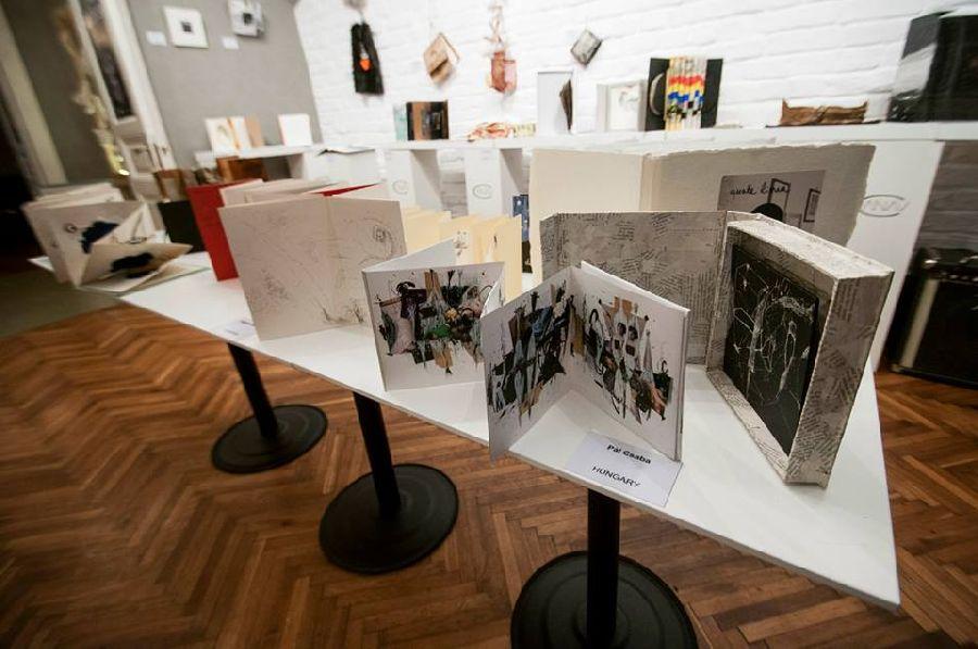 adelaparvu.com despre expozitia Bienala de Carte Obiect Bucuresti, curatori Dorothea Fleiss, Mirela Traistaru (12)
