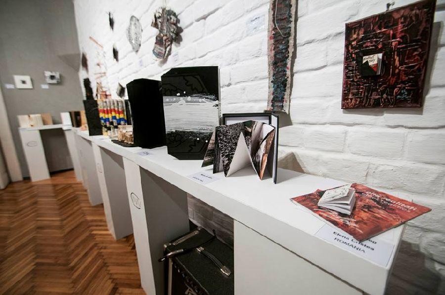 adelaparvu.com despre expozitia Bienala de Carte Obiect Bucuresti, curatori Dorothea Fleiss, Mirela Traistaru (19)