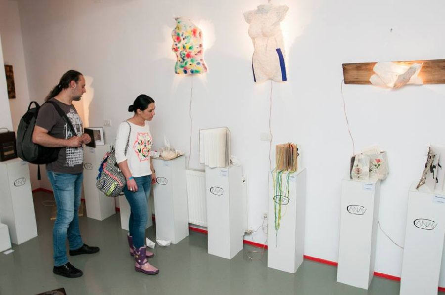 adelaparvu.com despre expozitia Bienala de Carte Obiect Bucuresti, curatori Dorothea Fleiss, Mirela Traistaru (8)