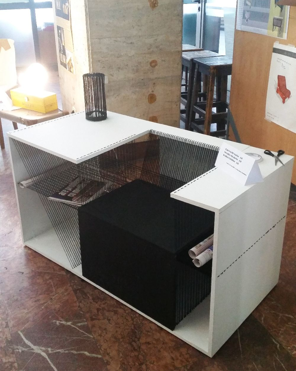 adelaparvu.com despre expozitia cu obiecte reciclate a Studentilor la arhitectura de interior UNAUIM, editia a 6 a (10)