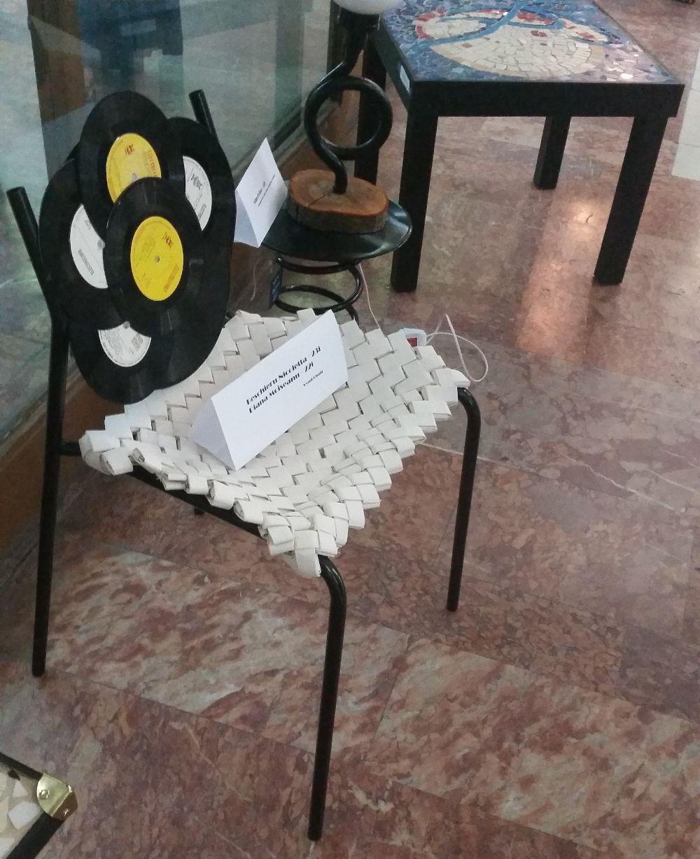 adelaparvu.com despre expozitia cu obiecte reciclate a Studentilor la arhitectura de interior UNAUIM, editia a 6 a (3)
