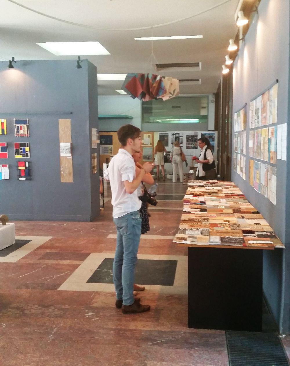 adelaparvu.com despre expozitia cu obiecte reciclate a Studentilor la arhitectura de interior UNAUIM, editia a 6 a (40)