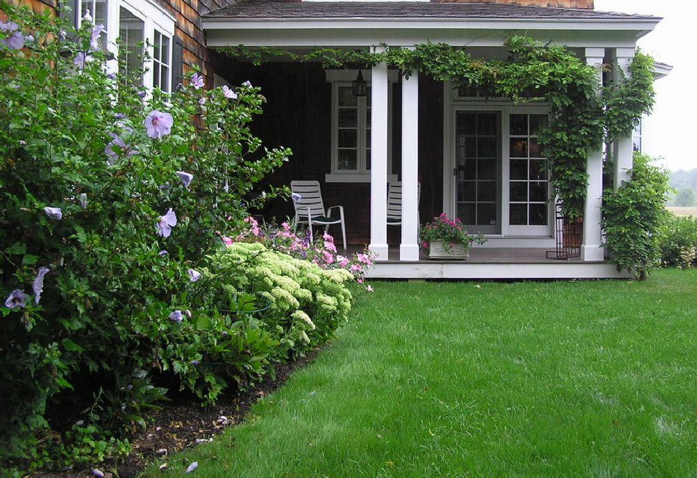 adelaparvu.com despre inlaturarea trifoului din gazon, Text Carli Marian, Foto Woodburn & Company Landscape