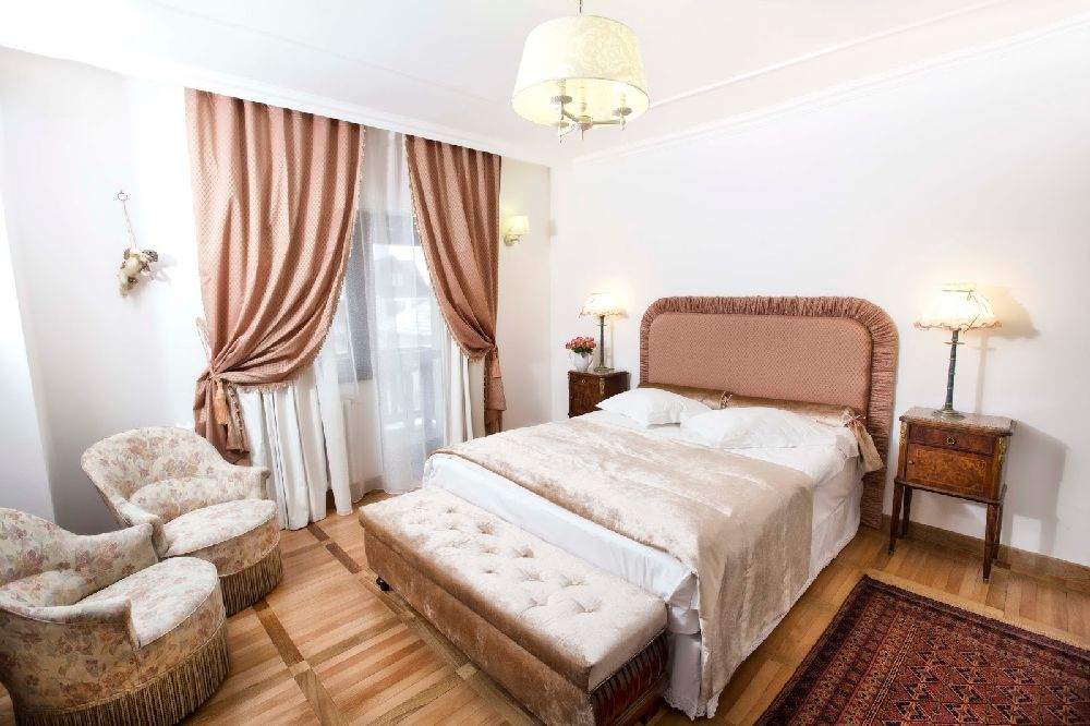 adelaparvu.com despre Casa din Bran Pension, arhitectura Gabriel Henegar, Designer interior Marinela Filip, Foto Andreea Pasca  (29)