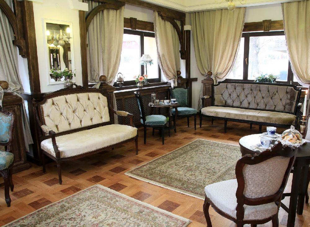 adelaparvu.com despre Casa din Bran Pension, arhitectura Gabriel Henegar, Designer interior Marinela Filip, Foto Andreea Pasca  (4)