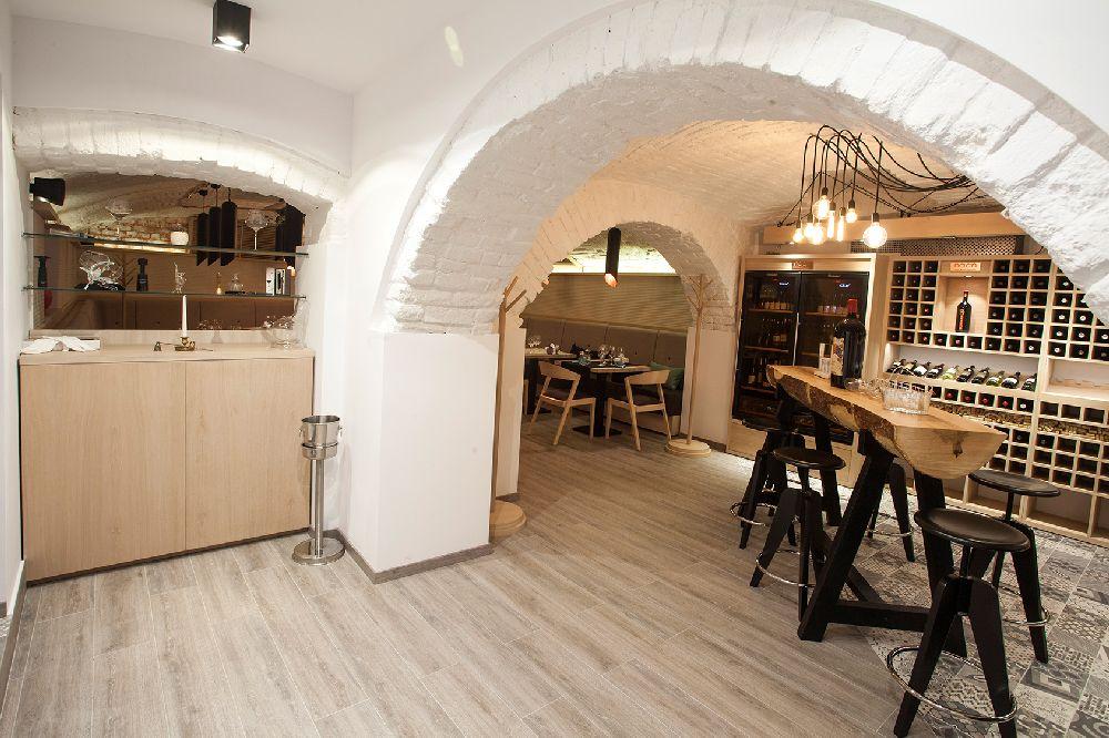 adelaparvu.com despre amenajare restaurant Naan, Bucuresti, design interior Delta Studio, Victor Grosu, Mihai Constantin, Iuliana Dinca (12)