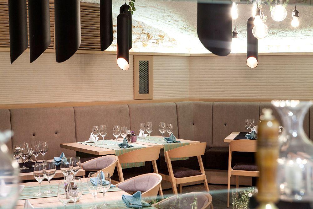adelaparvu.com despre amenajare restaurant Naan, Bucuresti, design interior Delta Studio, Victor Grosu, Mihai Constantin, Iuliana Dinca (13)