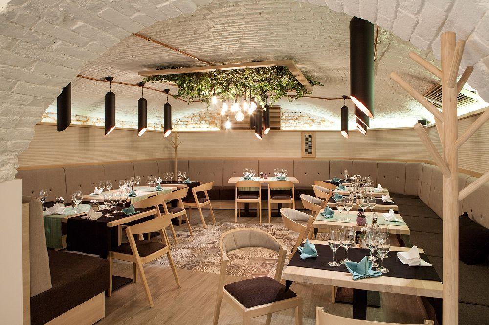 adelaparvu.com despre amenajare restaurant Naan, Bucuresti, design interior Delta Studio, Victor Grosu, Mihai Constantin, Iuliana Dinca (17)