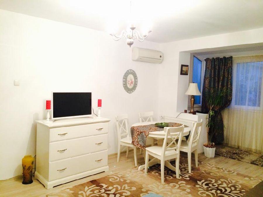 adelaparvu.com despre apartament 2 camere, Bucuresti, proprietar si FOTO Miruna Tanase (3)