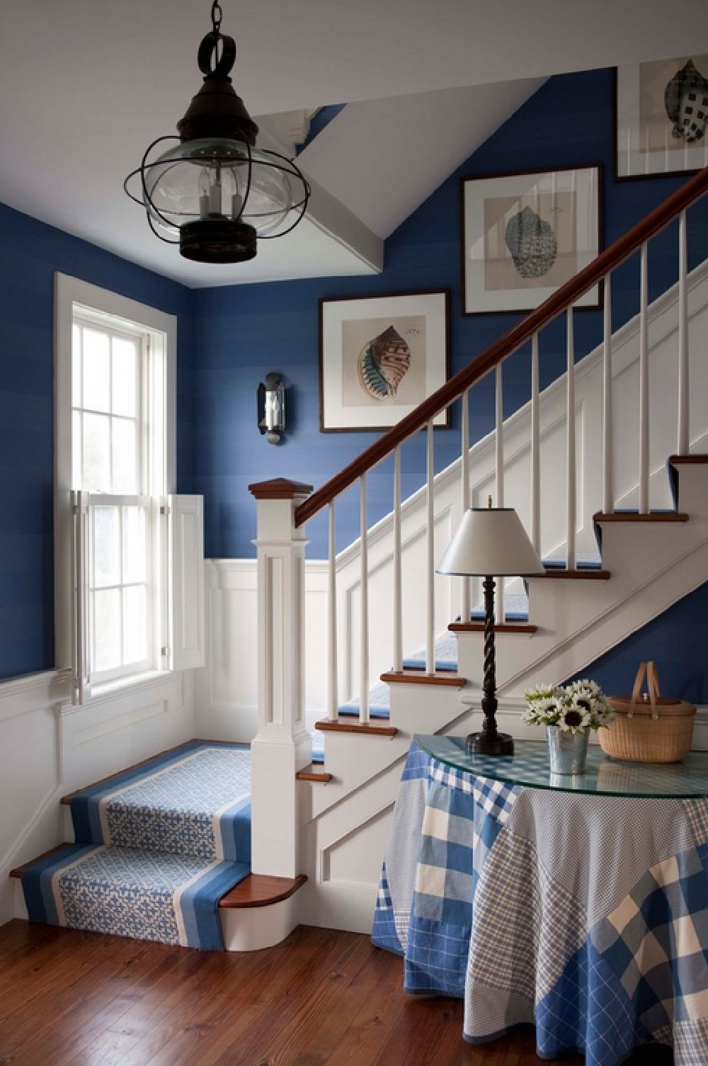 adelaparvu.com despre casa de vacanta in alb si albastru, casa SUA  Nantucket, Design interior T. Keller Donovan, Foto John Bessler Photography (1)