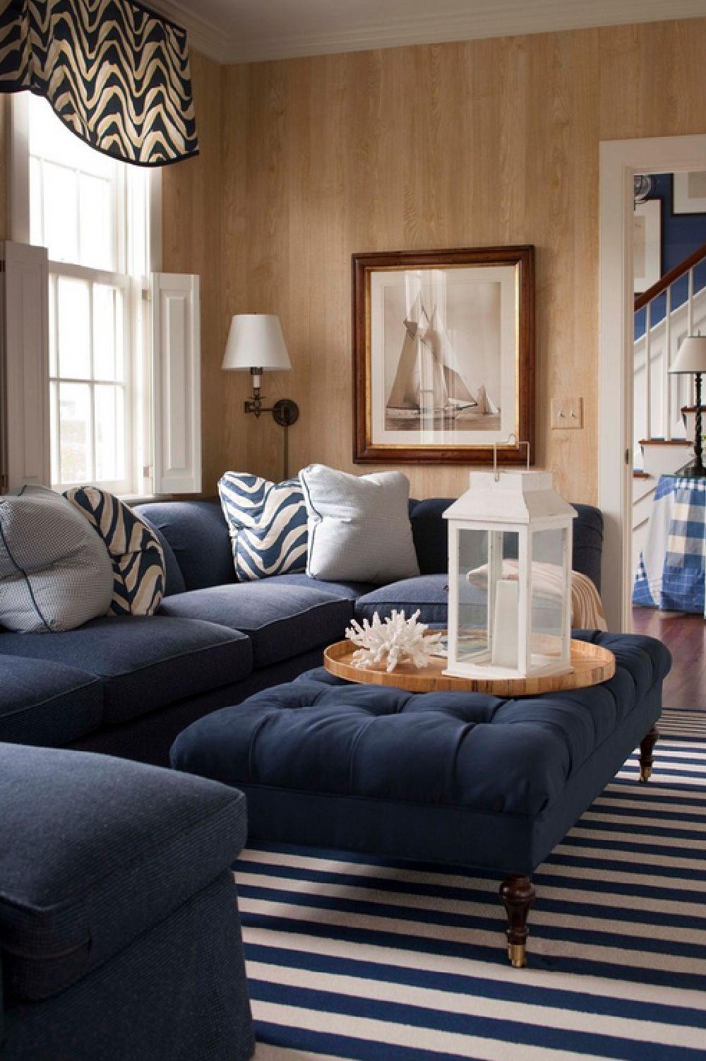 adelaparvu.com despre casa de vacanta in alb si albastru, casa SUA  Nantucket, Design interior T. Keller Donovan, Foto John Bessler Photography (6)