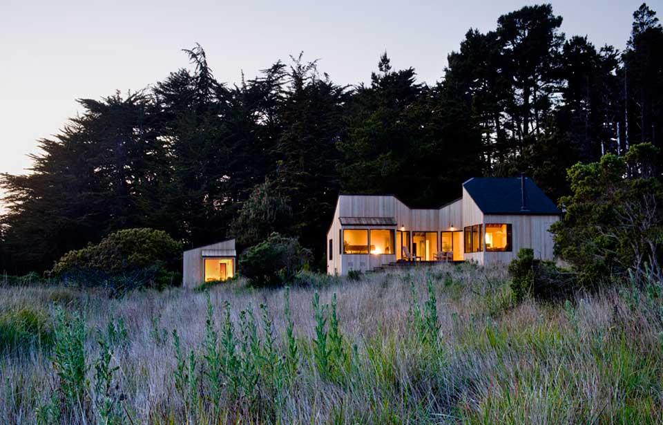 adelaparvu.com despre casa minimalista pe malul marii, Arhitectura Turnbull Griffin Haesloop, Foto David Wakely (4)