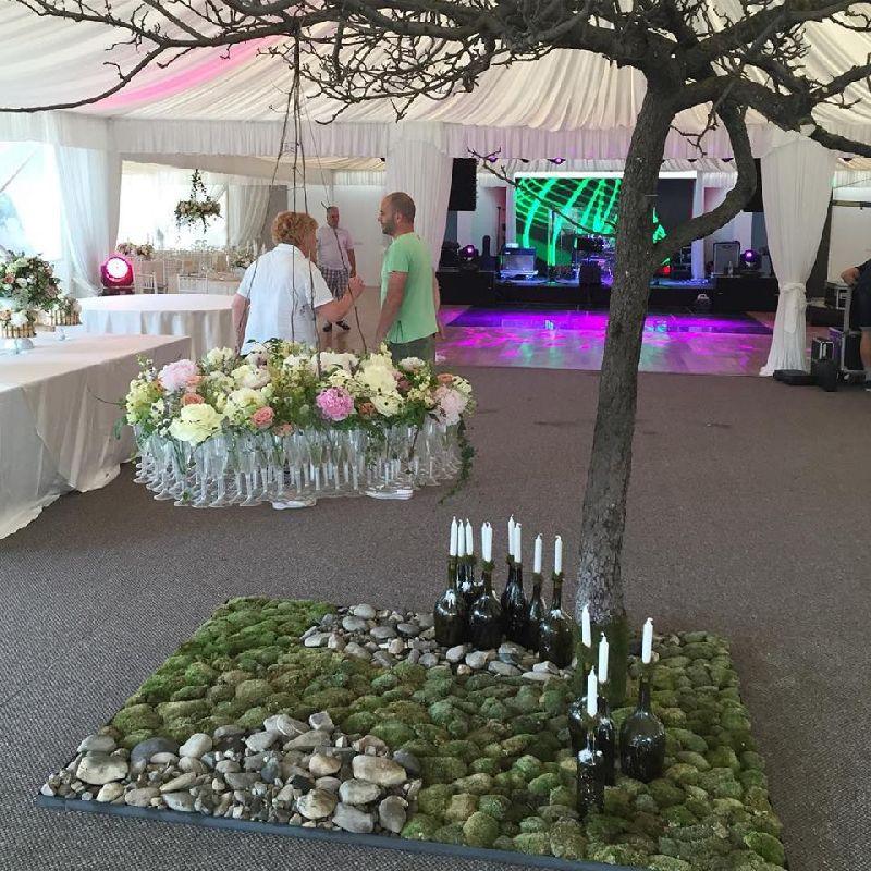 adelaparvu.com despre decor floral pentru nunta in cort, design floral Nicu Bocancea, Floraria Iris (2)