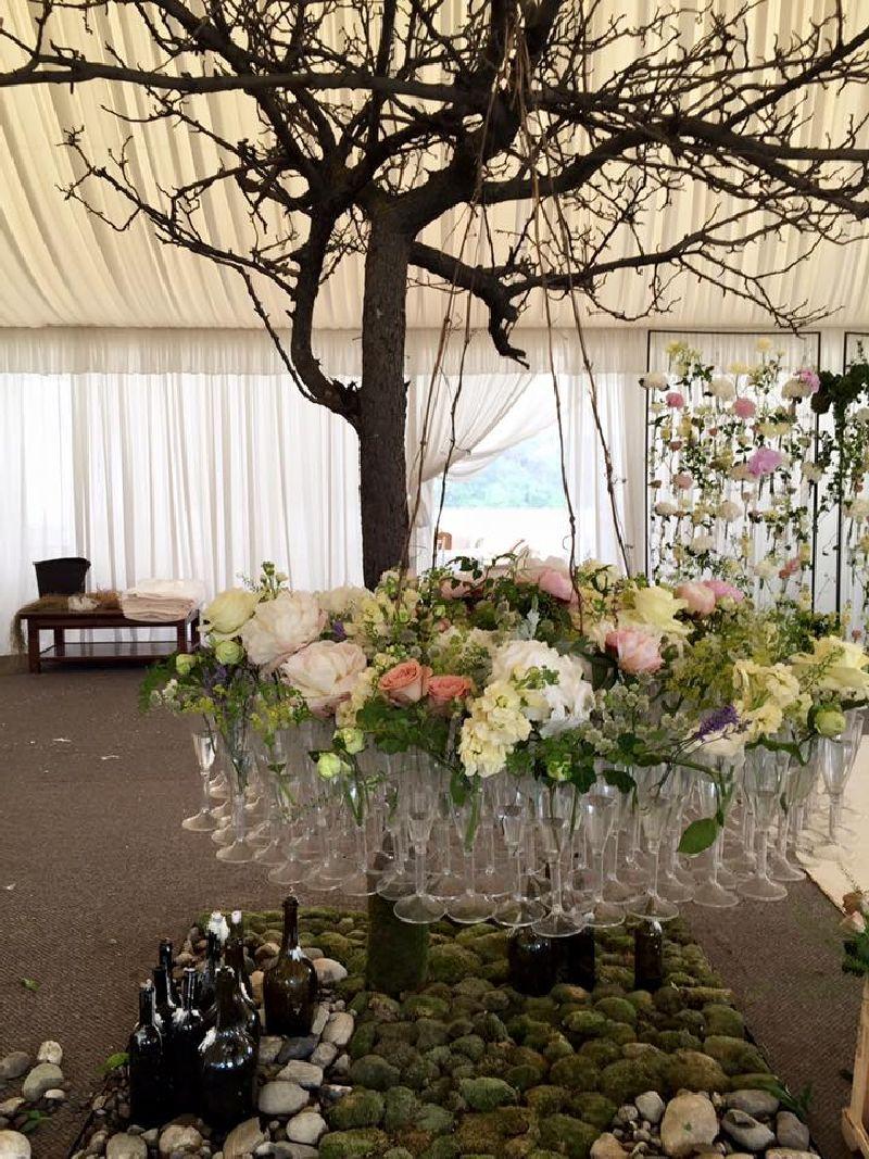adelaparvu.com despre decor floral pentru nunta in cort, design floral Nicu Bocancea, Floraria Iris (6)