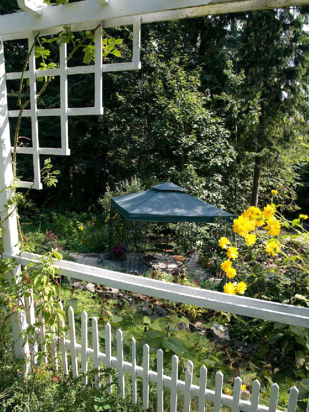 adelaparvu.com despre gradina cu aer salbatic, pensiune Polonia Willa Anna (3)