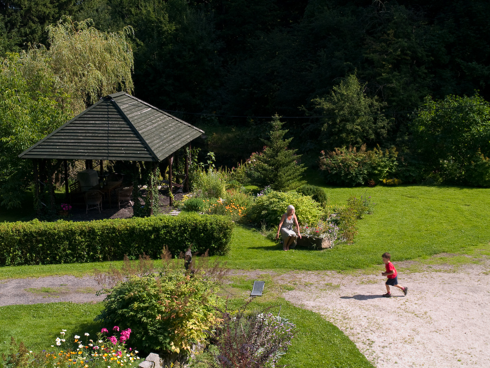 adelaparvu.com despre gradina cu aer salbatic, pensiune Polonia Willa Anna (6)