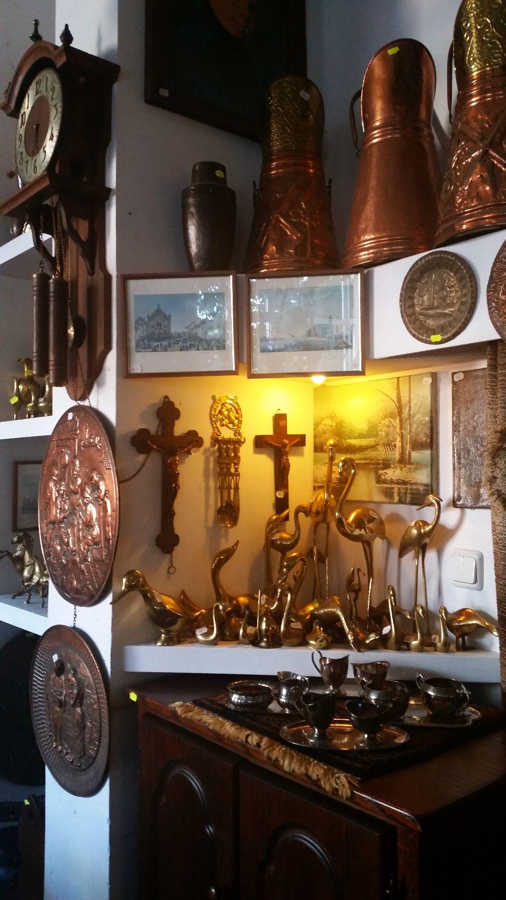 adelaparvu.com despre magazin de mobila si obiecte decorative, magazin antichitati, Leda Decor Bucuresti (19)