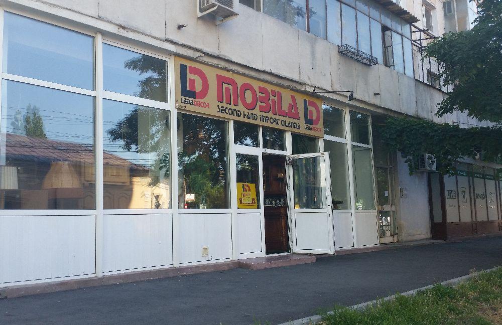 adelaparvu.com despre magazin de mobila si obiecte decorative, magazin antichitati, Leda Decor Bucuresti (33)