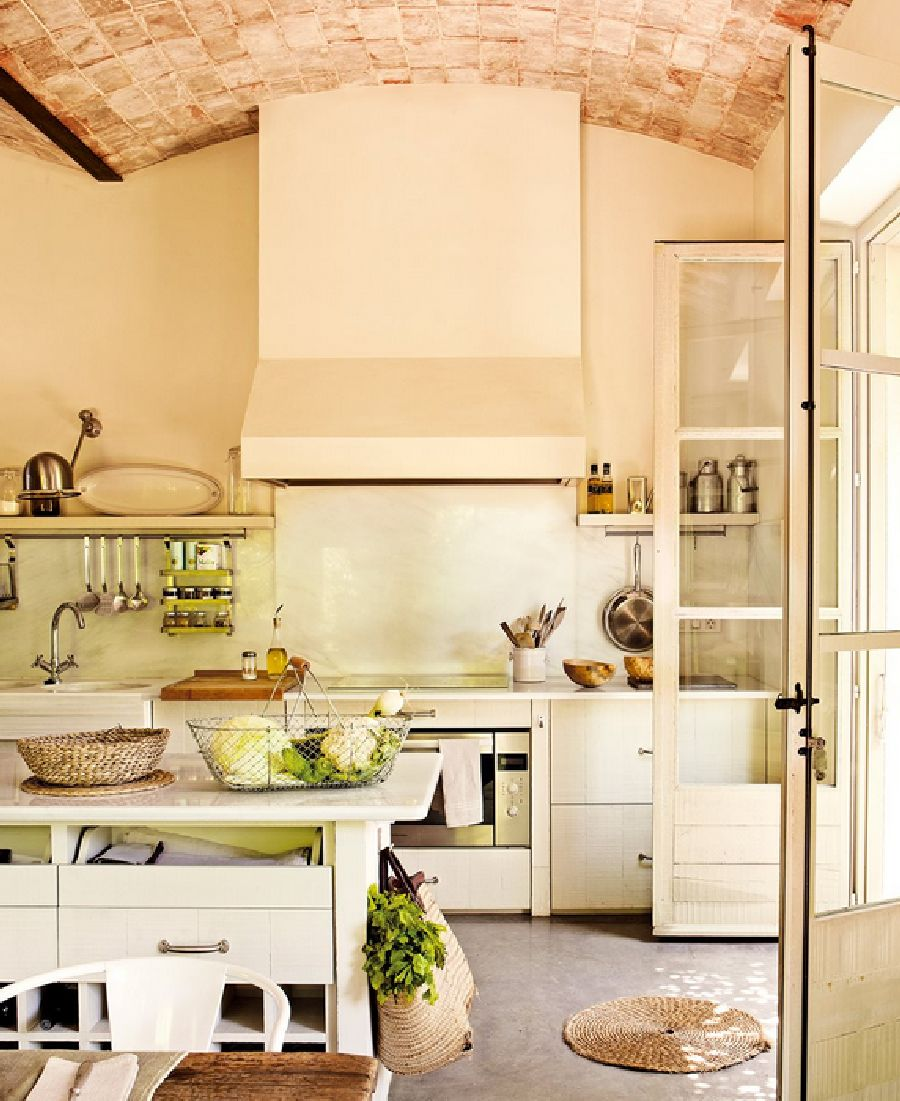 adelaparvu.com despre casa noua cu aspect rustic vechi, casa Spania, Emporda, Arhitect Lluis Auquer, Designer Ana Genero, Foto ElMueble (6)