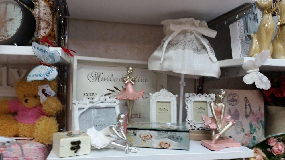 adelaparvu.com despre magazin de decoratiuni in Bucuresti, Cutia cu Fundita (29)