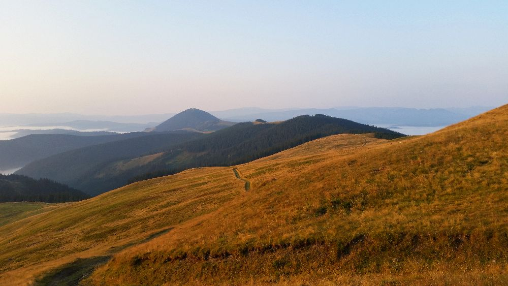 adelaparvu.com despre peisaje din Muntii Suhardului, Ciocanesti, Bucovina, Romania, Foto Adela Parvu (11)