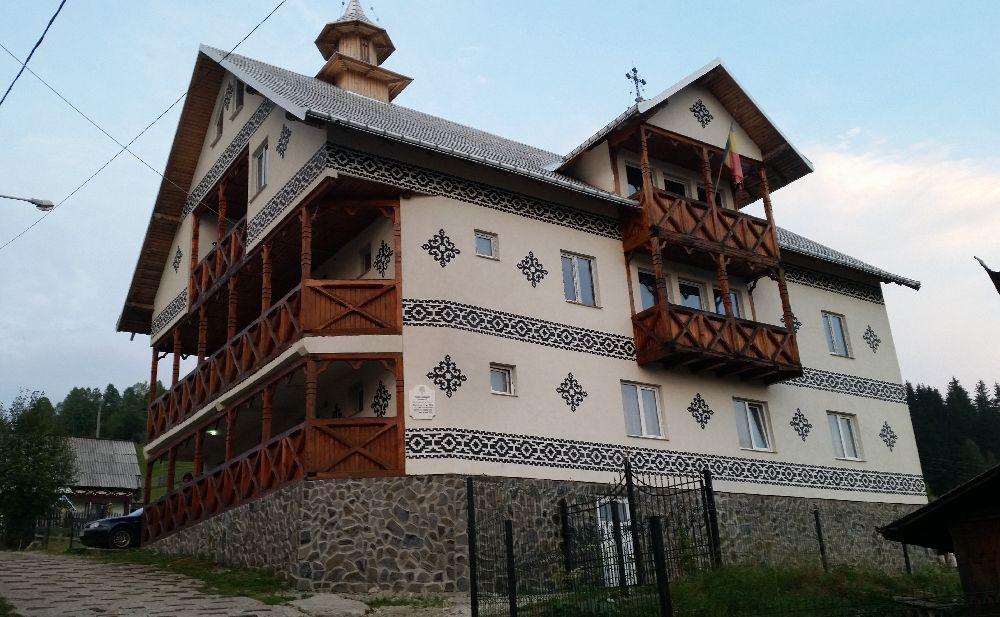 adelaparvu.com despre Ciocanesti, case cu motive traditionale, Bucovina, Romania (106)