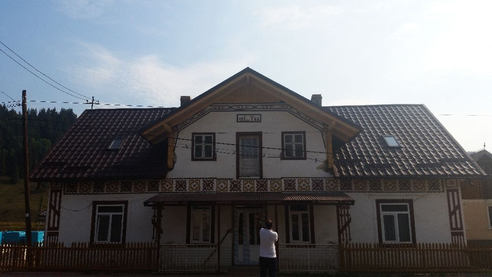 adelaparvu.com despre Ciocanesti, case cu motive traditionale, Bucovina, Romania (11)