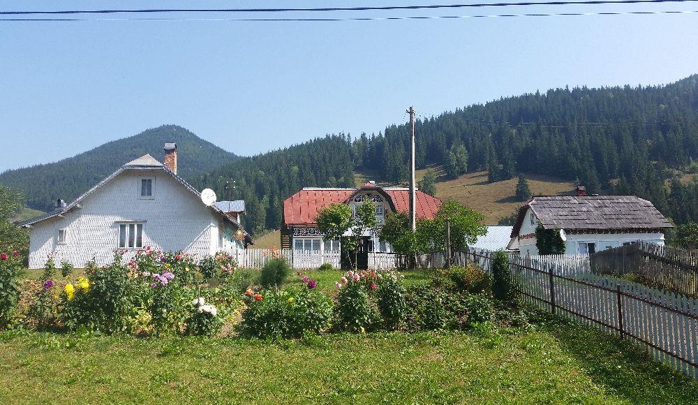 adelaparvu.com despre Ciocanesti, case cu motive traditionale, Bucovina, Romania (111)