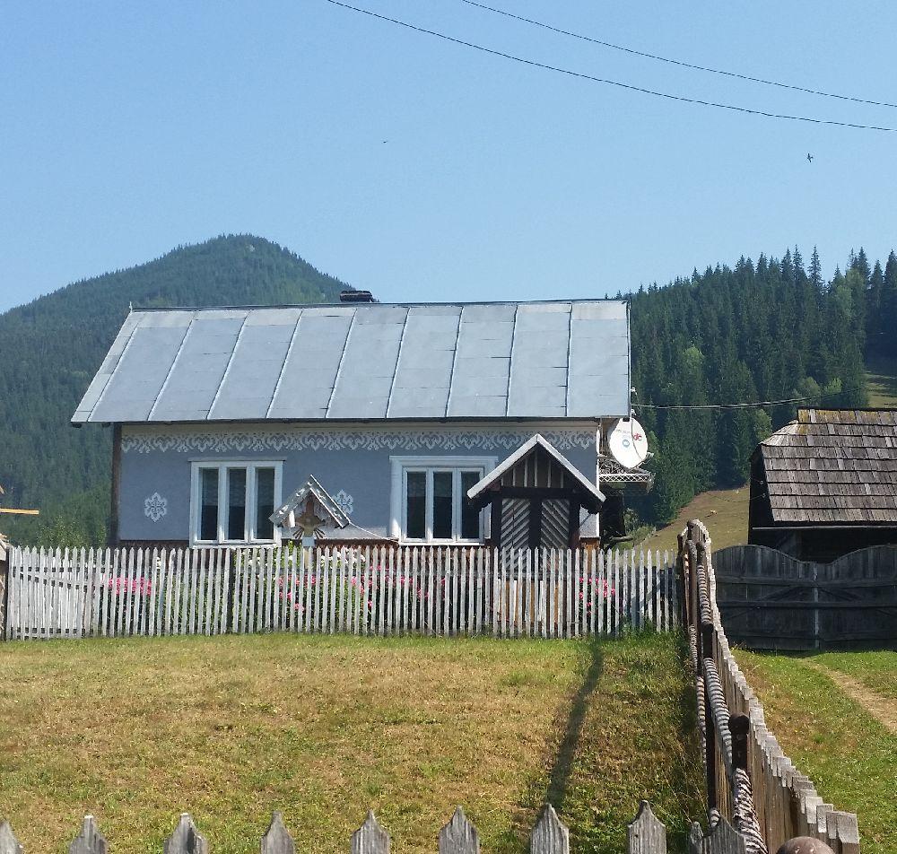 adelaparvu.com despre Ciocanesti, case cu motive traditionale, Bucovina, Romania (112)