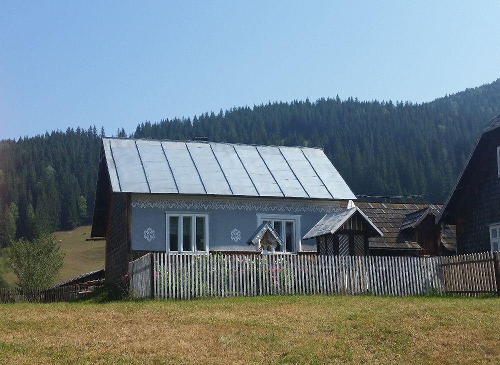 adelaparvu.com despre Ciocanesti, case cu motive traditionale, Bucovina, Romania (113)