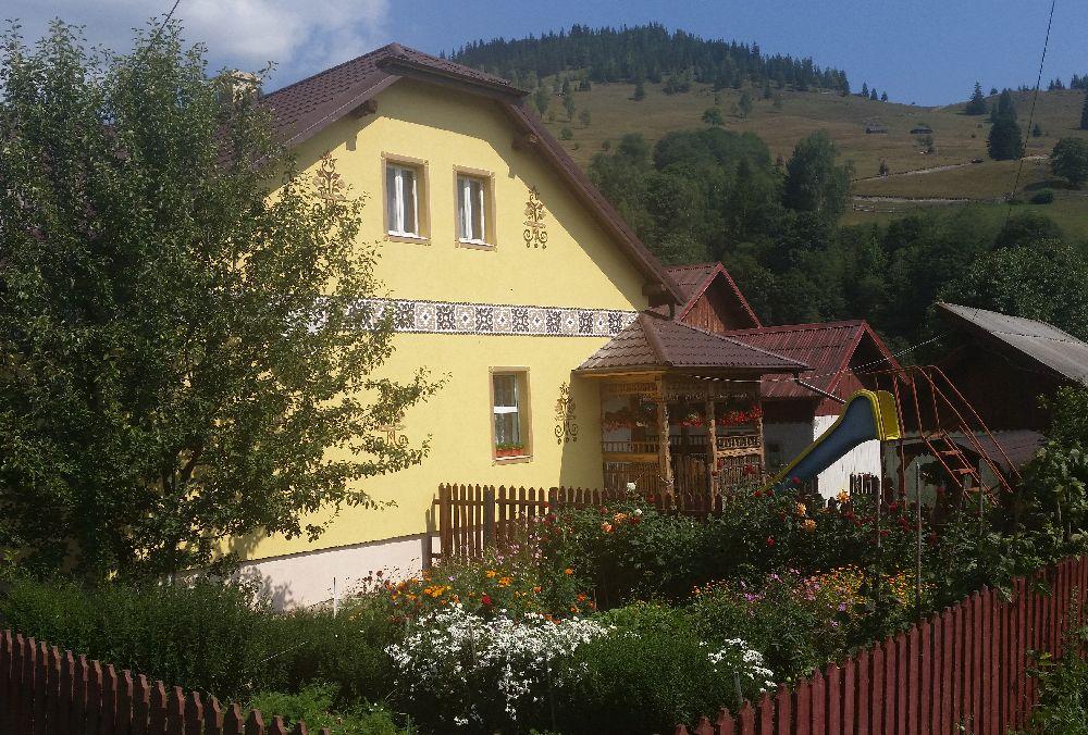 adelaparvu.com despre Ciocanesti, case cu motive traditionale, Bucovina, Romania (117)