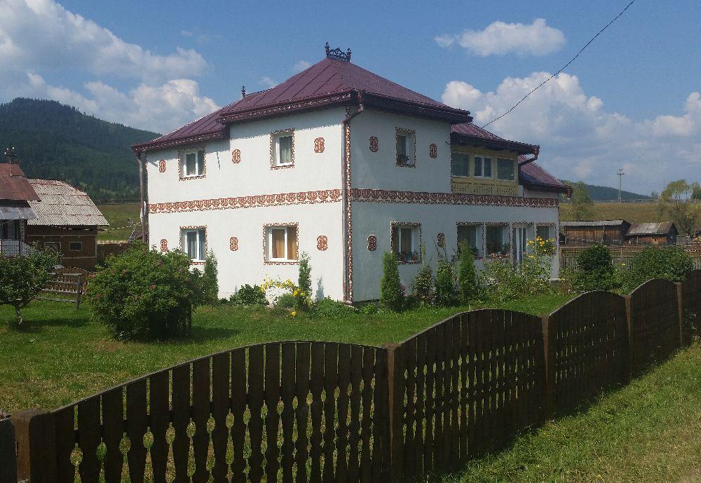 adelaparvu.com despre Ciocanesti, case cu motive traditionale, Bucovina, Romania (119)