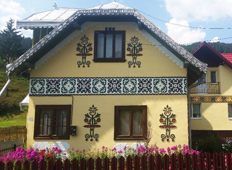 adelaparvu.com despre Ciocanesti, case cu motive traditionale, Bucovina, Romania (1269)